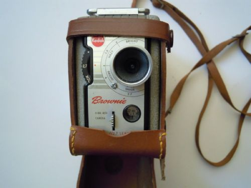 KODAK BROWNIE 8MM CAMERA